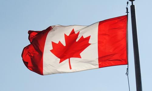 加拿大的家庭收入是否对子女接受高等教育有影响?