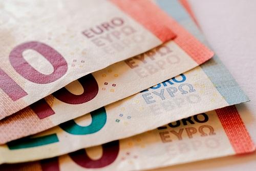 各国海关入境携带多少现金符合规定?