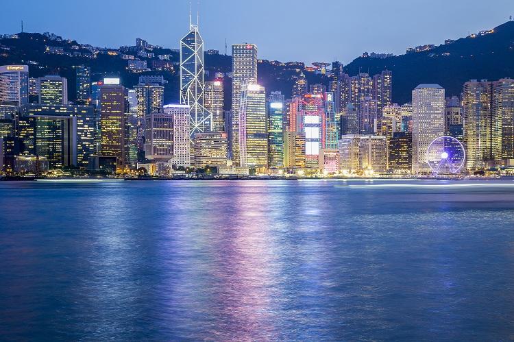 """疫情之下,为何香港身份申请""""不减反增""""?"""