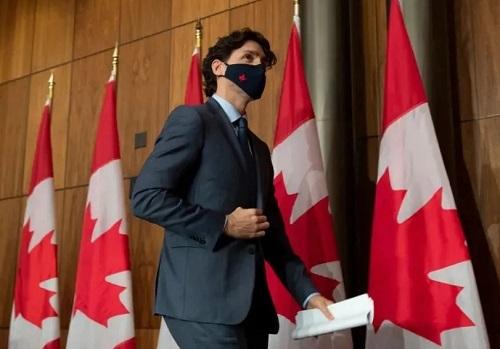 加拿大自由党通过全民基本收入,保证每人$2000月收入!